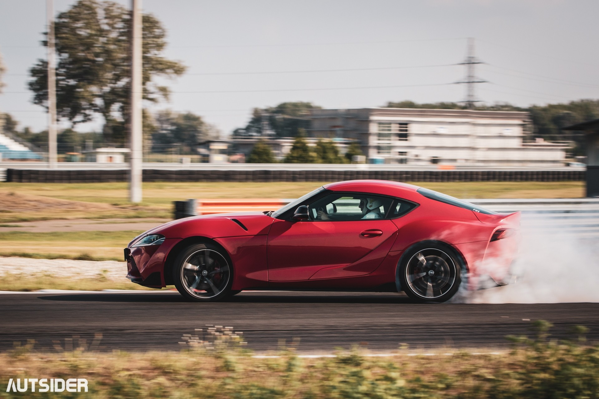 Pomysły na prezent dla fana motoryzacji   Toyota GR Supra